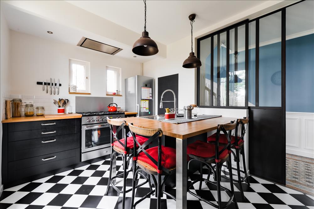 cuisine rétro industrielle verrière fenêtre et porte